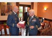 Oslava 93. narozenin brig. gen. v.v. Emila Bočka (pilot RAF) - s velitelem Vzdušných sil brig. gen. Liborem Štefánikem
