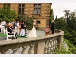 Hochzeitszeremonie im Schloss