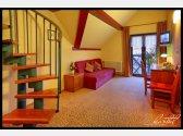 Maisonettezimmer mit Schlafzimmer im Dachboden