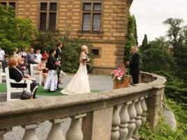 Hochzeitszeremonie im Schloss - Hinterhof