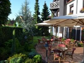 Parkhotel Průhonice - Garten